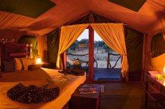 Camp-Savuti-tent-Pano.jpg