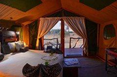 Camp-Savuti-tent-Pano2.jpg