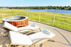 chobe-princess-viewing-deck-jacuzzi_1.jpg