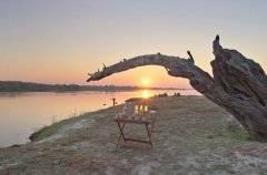 Chobe_under_canvas_Drinkstop2.jpg