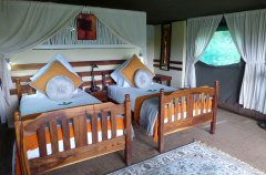 23-EVL-tent-bedroom-a.jpg