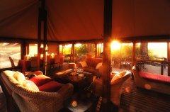 interior-lounge-dining-area-linyanti-ebony_0_hi-res.jpg
