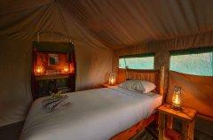 8-tuskers-bush-camp-tent9c.jpg
