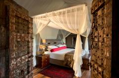 great_plains_dhow_suites_bedroom-1024x680.png