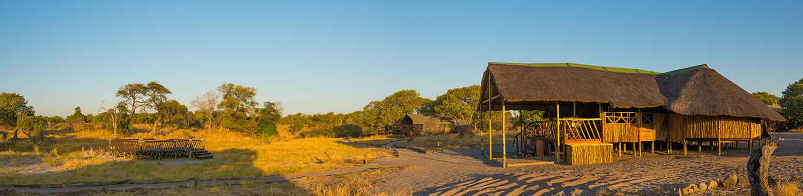 Camp-Savuti-lodge-entrance-pano.jpg
