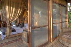a-botswana-safari-at-andbeyond-xudum-okavango-delta-lodge-55.jpg.950x0.jpg