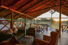 Camp-Savuti-lodge-lounge3.jpg
