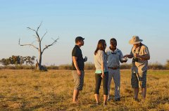Camp-Savuti-sundowners1.jpg