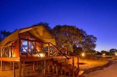 Camp-Savuti-tent-exterior-deck-pano-night.jpg