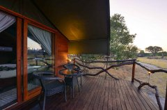 Camp-Savuti-tent-exterior-deck.jpg
