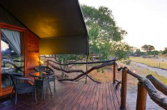 Camp-Savuti-tent-exterior.jpg