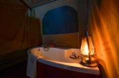 Camp-Savuti-tent-indoor-bath2.jpg